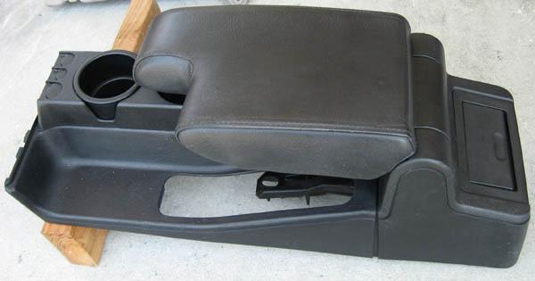 fs e36 325is console w armrest coin cup holder. Black Bedroom Furniture Sets. Home Design Ideas